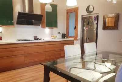 Просторная квартира в зоне Sant Antoni в Барселоне